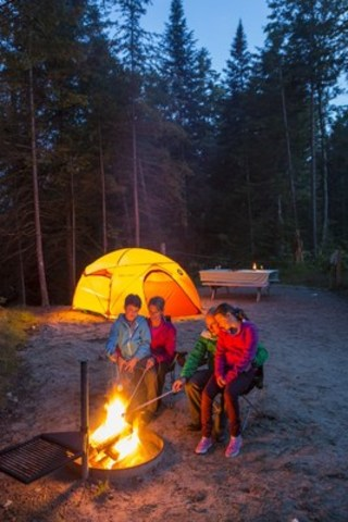 Camping at Parc national du Mont-Tremblant (CNW Group/Société des établissements de plein air du  ...