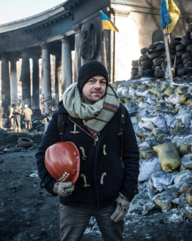 Stéphane Siohan, freelancer among barricades in Kiev (CNW Group/Canadian Journalism Forum on Violence and Trauma)