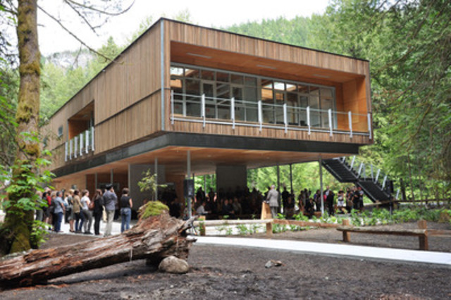 North Shore Credit Union Environmental Learning Centre opening event (CNW Group/Canadian Wood Council for Wood WORKS! BC)