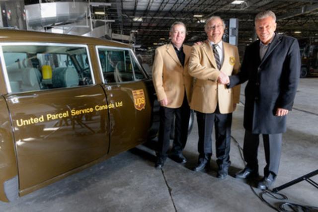 Le lundi 2 mars, dans le cadre des célébrations entourant le 40e anniversaire d'UPS Canada, Michael Tierney, président de l'entreprise, a tenu à saluer les routiers Robert Avis et Doug Coxon. Ces derniers cumulent le plus d'ancienneté au sein de l'entreprise, soit 38 années d'excellence en matière de service. (De gauche à droite : Robert Avis, Doug Coxon et Michael Tierney, président d'UPS Canada) (Groupe CNW/UPS Canada Ltee.)