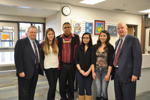 The Right Honourable Paul Martin, right, founder of the Martin Aboriginal Education Initiative (MAEI) and former Prime Minister of Canada, visited Saugeen District Secondary School today to speak with students enrolled in the Aboriginal Youth Entrepreneurship Program (AYEP). Bruce Power is sponsoring the program at SDSS. Pictured is Harry Hall, left, Vice President Supply Chain, Bruce Power, Hayley Carter, Saugeen First Nation Chief Vernon Roote, Savannah House, Destiny Roote and Mr. Martin. (CNW Group/Bruce Power LP)