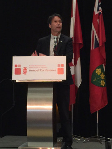 Dr. Eric Hoskins, Minister of Health and Long-Term Care speaks at the NPAO Annual Conference. (CNW Group/Nurse Practitioners' Association of Ontario)