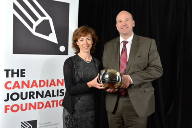 "The Globe and Mail's Ingrid Peritz, Montreal-based correspondent, and David Walmsley, editor-in-chief, accepted the Excellence in Journalism Award in the large media category for its ""Thalidomide"" series at The Canadian Journalism Foundation Awards. Photo: CNW/Shan Qiao for The Canadian Journalism Foundation. (CNW Group/Canadian Journalism Foundation)"