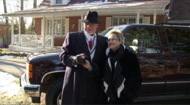 Video: B-Roll: Don Cherry fait don de son véhicule au programme Auto-Rein afin de soutenir une cause qui lui est chère, le don d'organe.