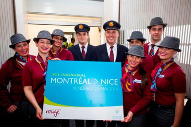 Bonjour Nice! L'équipage d'Air Canada rouge et les pilotes sont chaleureusement accueillis à la Côte d'Azur (Groupe CNW/Air Canada rouge)