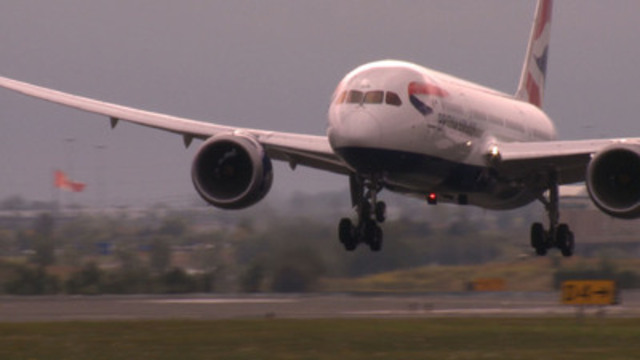 Video: Dreamliner B Roll available for download