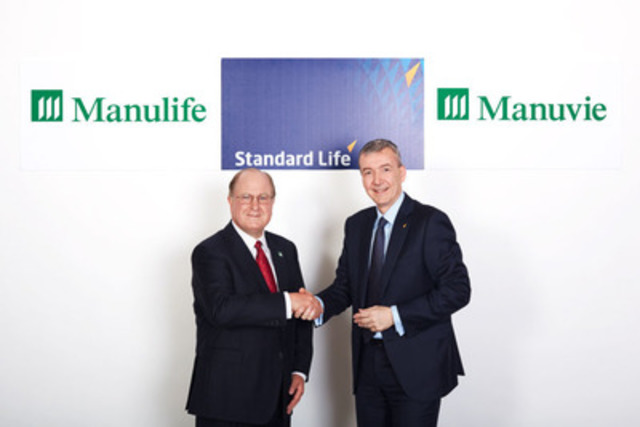 Donald Guloien, President and CEO, Manulife (left) and David Nish, Chief Executive of Standard Life plc, meet in Montreal for the announcement of Manulife's acquisition of the Canadian operations of Standard Life plc. (CNW Group/Manulife Financial Corporation)