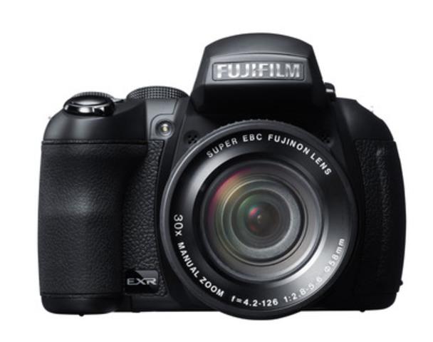 Fujifilm FinePix HS30EXR (CNW Group/FUJIFILM Canada Inc.)