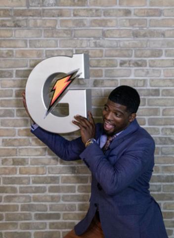 P.K. Subban, le plus récent athlète canadien à s'associer à Gatorade, célèbre ce nouveau partenariat avec la marque Gatorade. (Groupe CNW/PepsiCo Beverages Canada)