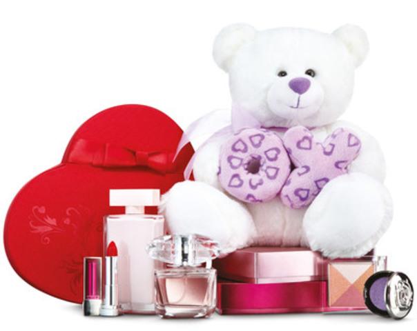 Shoppers Drug Mart/Pharmaprix propose une vaste gamme d'idées-cadeaux à l'occasion de la Saint-Valentin, notamment des parfums, des chocolats et des cartes-cadeaux. Dans un récent sondage Shoppers Drug Mart/Pharmaprix, 1 Canadien sur 10 a déclaré préférer recevoir une carte-cadeau pour la Saint-Valentin. (Groupe CNW/Corporation Shoppers Drug Mart)