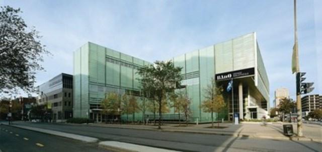 BAnQ et la Ville de Montréal accueilleront la conférence internationale MetLib en avril 2017. Photo : Bernard Fougères. (Groupe CNW/Bibliothèque et Archives nationales du Québec)