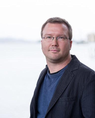 Joshua Hergesheimer (CNW Group/Canadian Journalism Forum on Violence and Trauma)