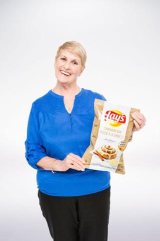Gloria Melanson, de London, en Ontario, a conçu la saveur Brioche à la cannelle sur Lay's originales. (Groupe CNW/PepsiCo Canada)