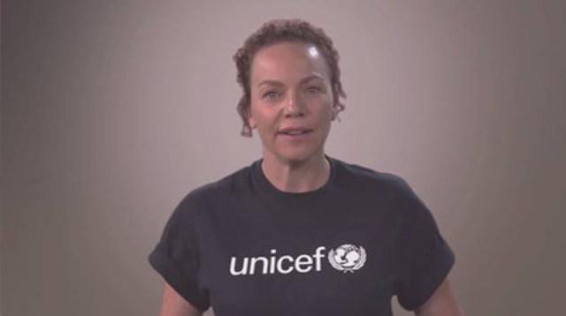 Afin de sensibiliser la population canadienne à la crise des réfugiés et migrants et inviter les particuliers à faire un don, UNICEF Canada a récemment dévoilé un nouveau message d'intérêt public mettant en vedette Macha Limonchik. (Groupe CNW/UNICEF Canada)