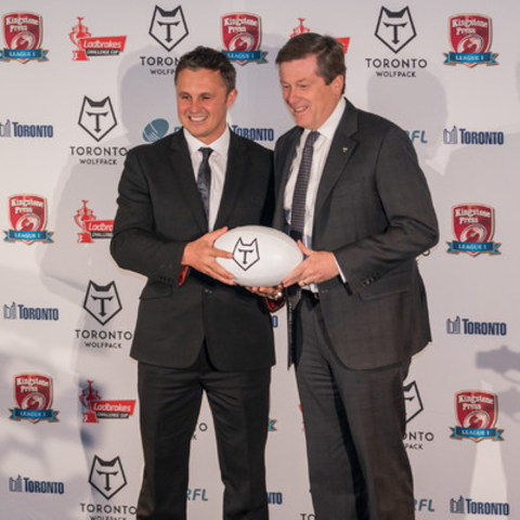 Toronto Mayor John Tory welcomes Paul Rowley, Head Coach of the newly announced Toronto Wolfpack Rugby League - the world's first transatlantic professional sports team. (CNW Group/Toronto Wolfpack)