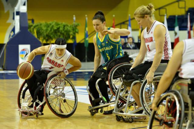 Cindy Ouellet, de l'équipe canadienne, a marqué 20 points, le nombre le plus élevé du match, contre l'Australie en quart de finale, le 26 juin 2014, au Championnat du monde féminin 2014 au Mattamy Athletic Centre, à Toronto, Ont. (Groupe CNW/Basketball en fauteuil roulant Canada)