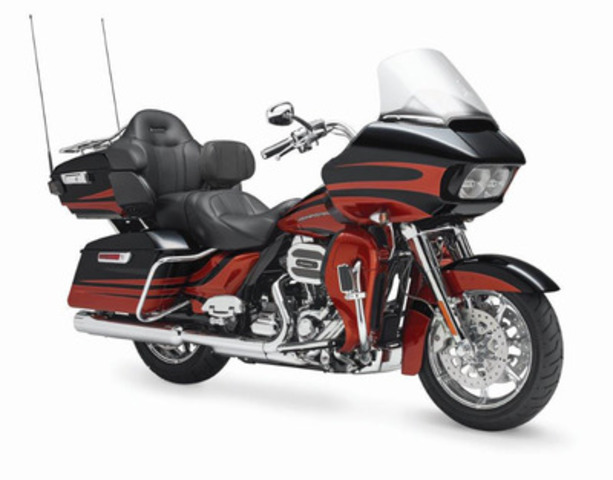 CVO™ Road Glide® Ultra Motorcycle (CNW Group/Deeley Harley-Davidson Canada)