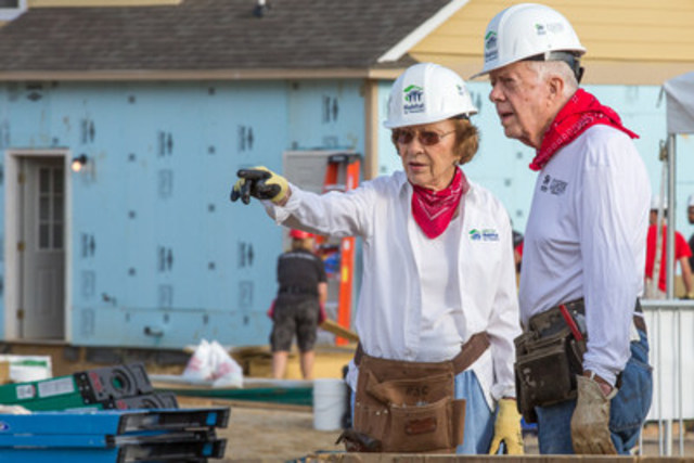 Rosalynn Carter and former U.S. President Jimmy Carter on a build site for Jimmy and Rosalynn Carter Work Project. (CNW Group/Habitat for Humanity Canada)
