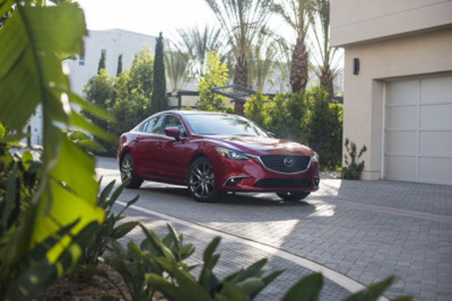 Top Safety Pick+ awardee - 2017 Mazda6 (CNW Group/Mazda Canada Inc.)