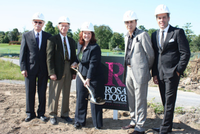 From left to right : Dominic LaSchiazza, Sales Director, Rosa Nova; John LaSchiazza, Partner, Investissements ...