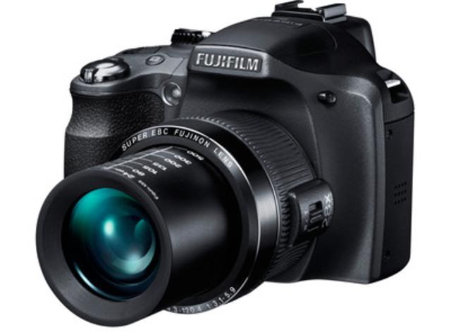 Fujifilm FinePix SL280 (CNW Group/FUJIFILM Canada Inc.)