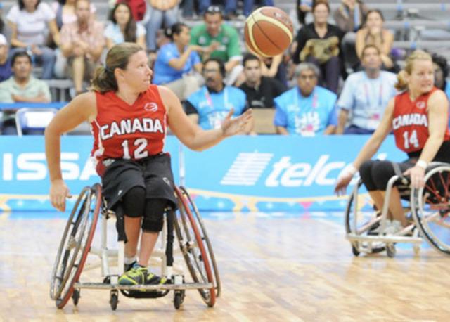 Deux places étant en jeu pour les Jeux paralympiques de 2016 à Rio, Basketball en fauteuil roulant Canada a sélectionné 24 athlètes des équipes nationales masculine et féminine de basketball en fauteuil roulant pour représenter le Canada aux Jeux parapanaméricains de 2015 à Toronto. (Groupe CNW/Basketball en fauteuil roulant Canada)