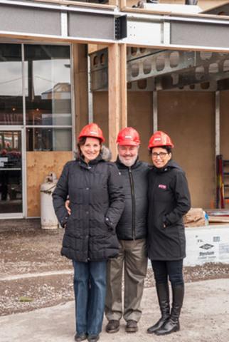 Denise Mérineau, Présidente et co-fondatrice Brasseur de Montréal, Marc-André Gauvreau, Vice-président et fondateur Brasseur de Montréal, Michelle Tremblay, Vice-présidente et co-fondatrice BONE Structure (Groupe CNW/BONE Structure)