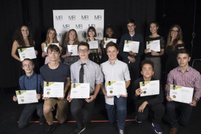 Cohorte des élèves méritants de la 15e édition du programme Classes Affaires (Groupe CNW/Montréal Relève)