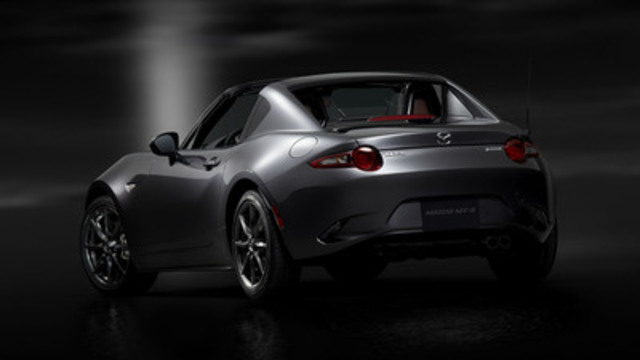 Mazda MX-5 RF (spécifications pour le marché nord-américain) (Groupe CNW/Mazda Canada Inc.)