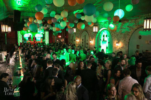 400 people gathered at the second annual Lucky Ball benefit for Fort York Food Bank in 2014, 33% more than its inaugural year. Organizers expect this year's party on Thursday, Mar. 12 to be even bigger. The event has become a noted kick off to the St. Patrick's Day weekend while increasing FYFB's connection to the downtown west community it serves. (Photo courtesy of bestoftoronto.net) (CNW Group/Fort York Food Bank)