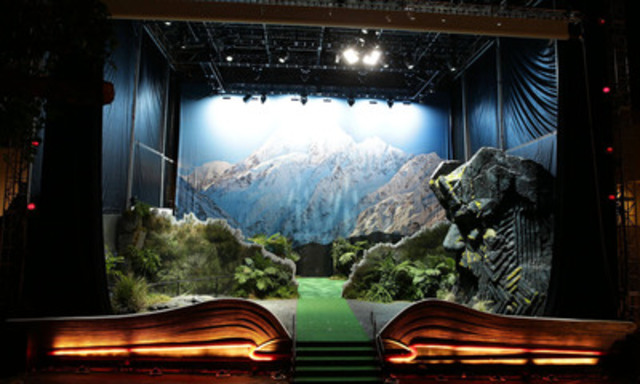 Giant pop-up book of New Zealand in Los Angeles (CNW Group/Tourism New Zealand)