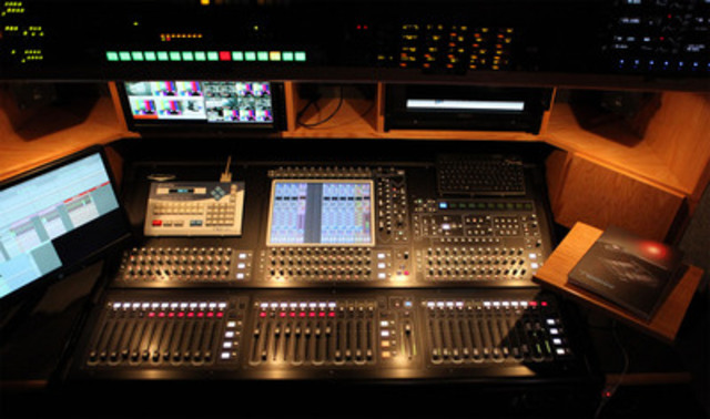 Inside: Audio Booth. (CNW Group/EASTLINK)