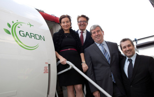 Helen V. Gagnon, Robert Deluce, The Honourable Glen Murray, Sylvain Cofsky (CNW Group/Porter Airlines Inc.)