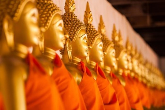 Experience the beauty and excitement of Bangkok, Thailand. (CNW Group/Hotels.com)