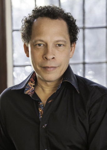 Lawrence Hill will receive the Governor General's History Award for Popular Media: The Pierre Berton Award on October 16 at Rideau Hall. Photo credit: Lisa Sakulensky. (CNW Group/Canada's History)