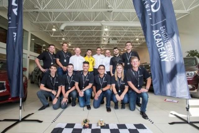 Après avoir été sélectionné parmi des milliers de participants et avoir battu neuf autres finalistes canadiens lors d'un événement riche en action chez le concessionnaire Luciani INFINITI à Montréal aujourd'hui, Felix Lamy, 21 ans, de Gatineau, Quebec se rendra au Royaume-Uni en novembre pour commencer un stage de 12 mois avec INFINITI et la Renault Sport Formula One Team(MC). (Groupe CNW/Infiniti)