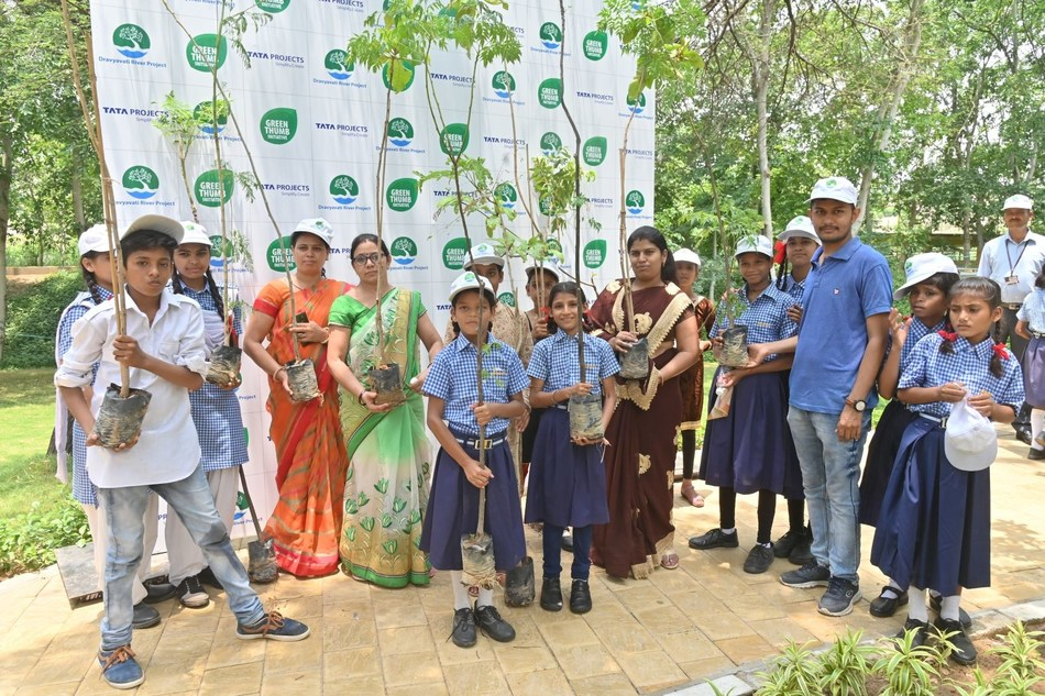 Tata Projects Limited. Students & Teachers participating in Green Thumb event at Jaipur