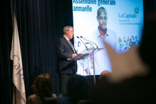M. René Rouleau, président du conseil et chef de la direction à l'assemblée générale annuelle de La Capitale tenue le 8 avril 2015 à Québec. (Groupe CNW/La Capitale groupe financier inc.)