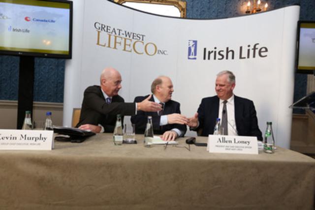 Lors d'une conférence de presse à Dublin en Irlande, M. Allen Loney, président et chef de la direction de Great West Lifeco, a annoncé l'acquisition de Irish Life Group. On le voit ici en compagnie de M. Michael Noonan, TD, ministre des Finances (au centre), et de M. Kevin Murphy, chef de la direction, Irish Life Group (à gauche). (Groupe CNW/Great-West Lifeco Inc. - French)