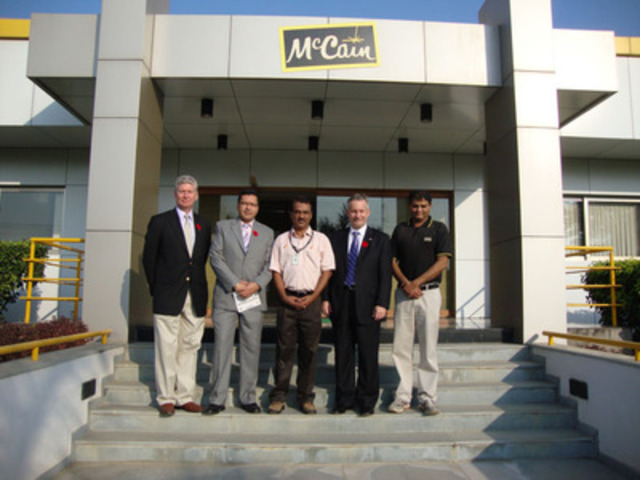 Ahmedabad, Gujarat, India - McCain Foods welcomes government officials. L-R; Stewart Beck, High Commissioner of Canada to India, Devinder Shory, Member of Parliament, Calgary Northeast, Rajeev Chauhan, Mehsana Plant General Manager, McCain Foods, Hon. Ed Fast, Minister of International Trade and the Asia-Pacific Gateway, Devendra Kumar, General Manager-Agriculture, McCain Foods. (CNW Group/MCCAIN FOODS (CANADA))
