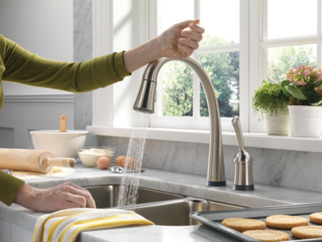 Delta's kitchen faucet with Touch2O Technology earns the brand its second Parent Tested, Parent Approved Seal of Approval (CNW Group/Masco Canada Limited)