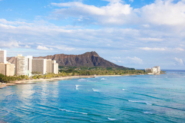 Have your dream wedding on the beaches of Honolulu, Hawaii (CNW Group/Hotels.com)