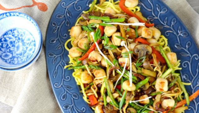 Sausage and Scallop Stir Fry (CNW Group/Maple Leaf Foods Inc.)