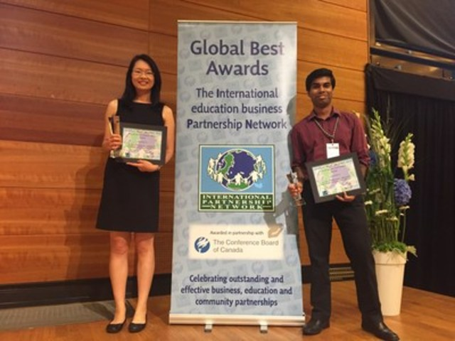 SFU biomedical engineering PhD students Careesa Liu (left) and Sujoy Ghosh Hajra founded the SCORE program, an innovative student training partnership between SFU, City of Surrey and HealthTech Connex. (CNW Group/HealthTech Connex Inc.)