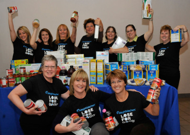 Weight Watchers leader Lindsay Norman stands with members of her Thursday morning meeting. They have collected 190 pounds of food to represent pounds lost, and will donate the food to food banks, in support of the Weight Watchers® Lose For Good® campaign. For more information about Lose For Good visit www.weightwatchers.ca/loseforgood. (CNW Group/Weight Watchers Canada)