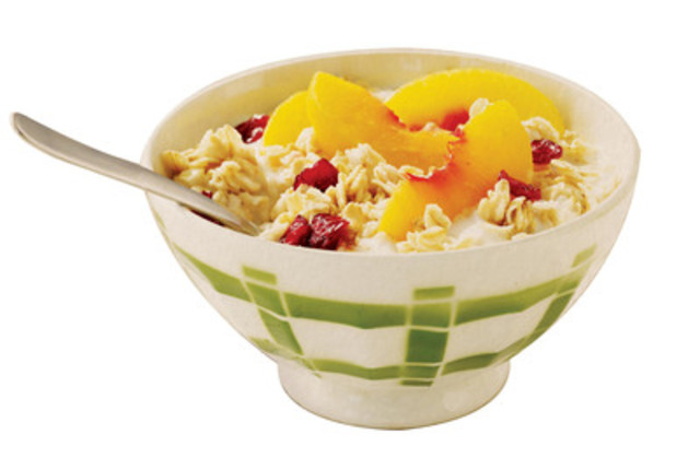 Recipe: Quaker MVPeach & Honey Oatmeal (CNW Group/Quaker Foods Canada)