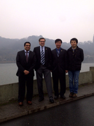 MTI management with BGI Shenzhen Director in Hangzhou (CNW Group/Metabolomic Technologies Inc.)