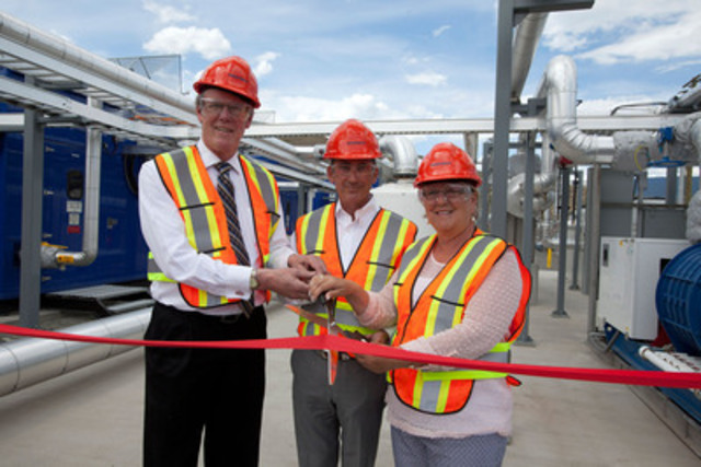 CACHE CREEK--June 15, 2015--Belkorp Chairman & CEO Stuart Belkin is joined by Fraser-Nicola MLA Jackie Tegart, right, along with Cache Creek Mayor John Ranta, left, to cut the ribbon on Wastech's new landfill gas capture facility in Cache Creek B.C. on June 15, 2015. The plant converts methane gas into enough renewable electricity to power over 2500 homes. The gas utilization plant at the Cache Creek Landfill builds on the 30 years of experience that Wastech and its parent company Belkorp Environmental Services Inc. have in providing British Columbia with recycling and waste management solutions.  Photo by Jeff Bassett (CNW Group/WASTECH SERVICES LTD.)
