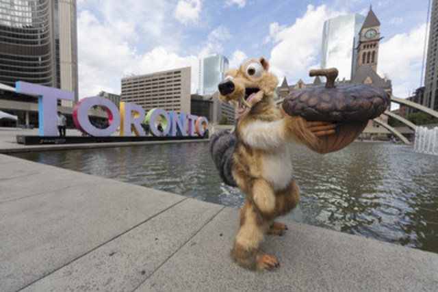 On August 17, gearing up for the highly anticipated 20-city Ice Age on Ice Canadian Tour (August 20 to December 4), one of the beloved characters of the blockbuster movie franchise, Scrat the prehistoric squirrel, searched for his ever-elusive acorn. Fans were encouraged to help Scrat at the CN Tower and Eaton Centre, ending his scavenger hunt at Nathan Phillips Square where the acorn was found amongst the iconic Toronto sign. Photo Credit: Barry Roden (CNW Group/Ice Age On Ice Canadian Tour)