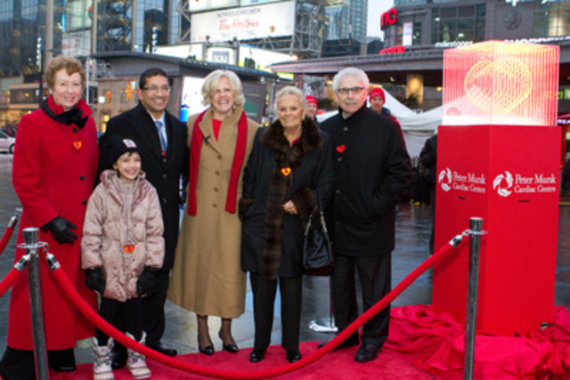 (Left to right) Tennys Hanson, President & Chief Executive Officer, TGWHF, Dr. Vivek Rao, Head, Division of Cardiovascular Surgery, PMCC, Dr. Heather Ross, Director, Ted Rogers Centre of Excellence in Heart Function, Loretta Rogers and Dr. Bernard Gosevitz, Vice President & Chief Medical Officer of Rogers Communications. (Front row) Maya Rao. (CNW Group/Toronto General & Western Hospital Foundation)